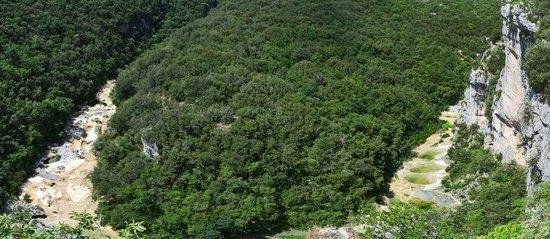 L'Aiguillon (Concluses de Lussan) vu 300 mètres après le départ