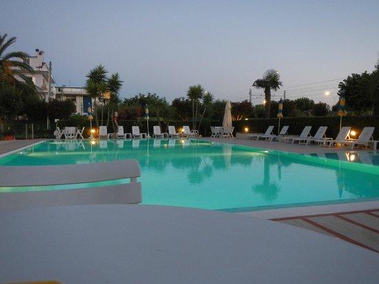 Piscina Picture Of Hotel Domingo San Benedetto Del Tronto Tripadvisor