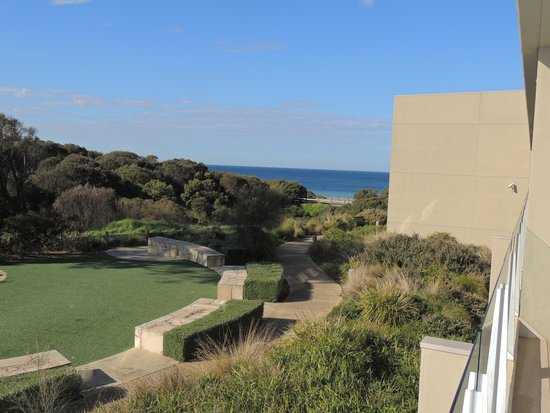 Wyndham Resort Torquay: The view from the large balcony.