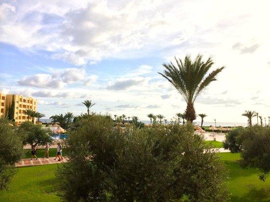 Nour Palace Resort : Toutes les photos sont prises avec notre iPhone 4, Vue du Balcon au 1er étage