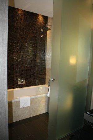Rome Life Hotel: Rome Life shower