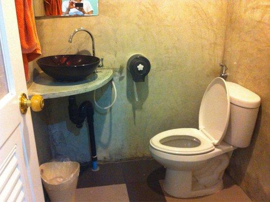 Khunnai House: Το μπάνιο