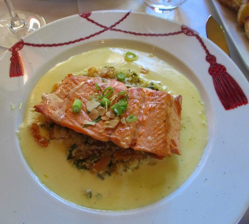 Le Grand Cafe Capucines: rose trout