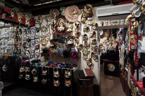 Ca' Macana: Impression of the mask shop - everything is hand-made in Venice