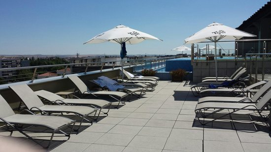 Hotel Córdoba Center: Le solarium