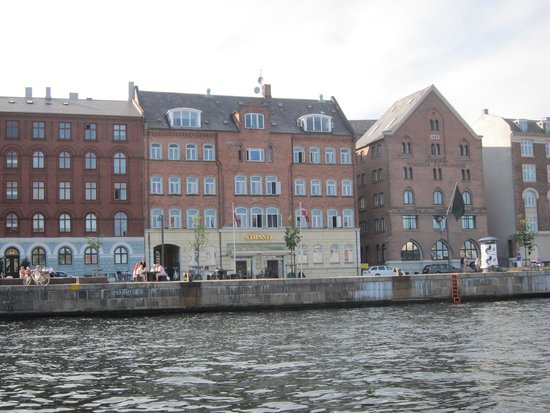 Copenhagen Strand: Our hotel from the river cruise