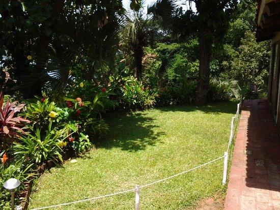 Bonitos jardines fotograf a de rancho andrea eco hotel - Jardines bonitos y sencillos ...