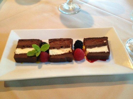 Lambert's Cove Restaurant: Sinful Desserts!