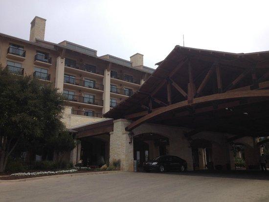 JW Marriott San Antonio Hill Country Resort & Spa: Gate of hotel