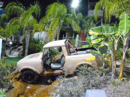Congo River Golf : Themed scenery!!