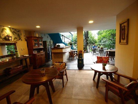 Quinta Azul Boutique Pousada : Blick auf die Frühstücksterasse
