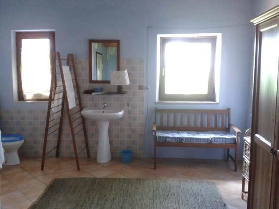 uno dei bagni in camera era più grande di casa mia - foto di bed ... - Bagno Di Casa