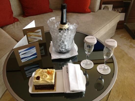 Jumeirah Beach Hotel : bubbly