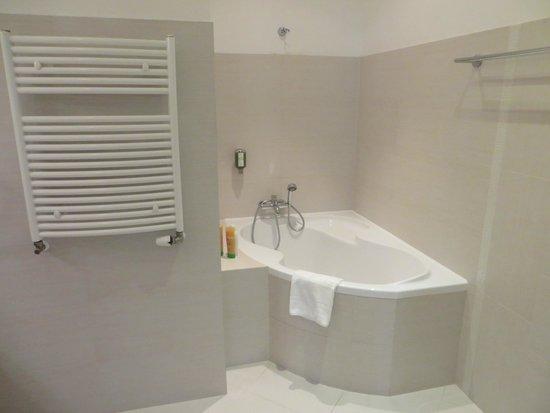 Unitas Hotel : Bathroom