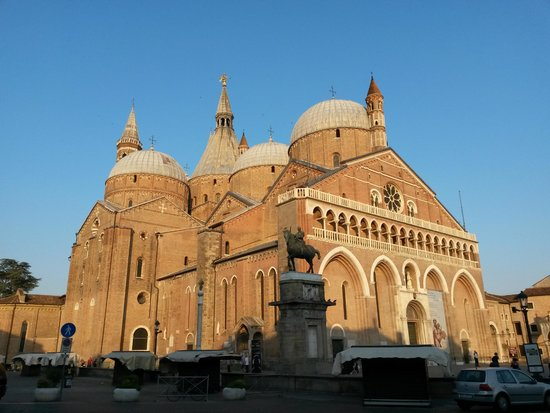 Basilica di Sant'Antonio - Basilica del Santo: Базилика святого Антония