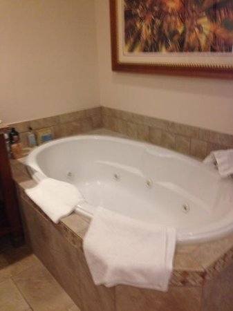 Sheraton Vistana Villages - International Drive: huge whirlpool bath