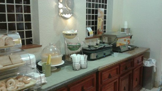 Quality Inn - Cottonwood: Breakfast Area