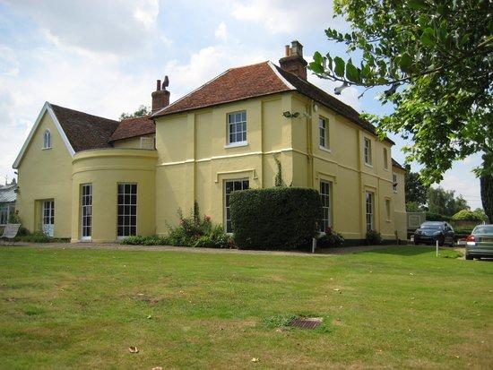 The Munnings Art Museum : House from garden