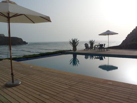 Dar Najmat: Piscine avec vue sur la mer