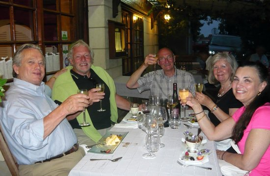 Auberge reine de sicile : Dinner on the outside terrace on Bastille Night.