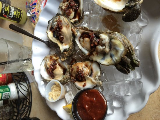 Doc Ford's Rum Bar & Grille Ft. Myers Beach : Oysters!