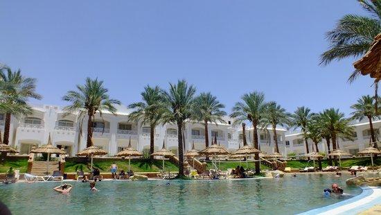 Tropicana Rosetta & Jasmine Club: The main pool
