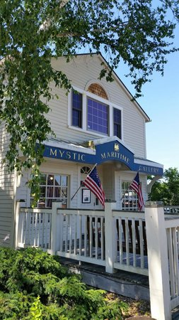 Mystic Seaport: Near the entrance