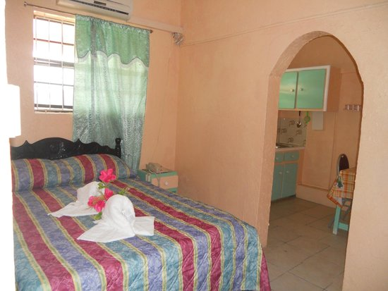 Stephanie's Hotel: Standard Single/Double Room with Kitchenette