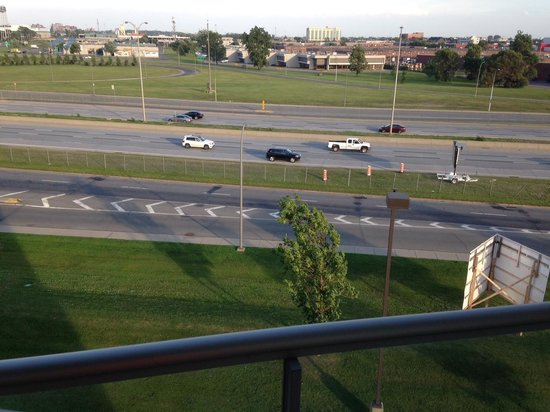 Residence Inn Montreal Airport: Balcony looking at highway