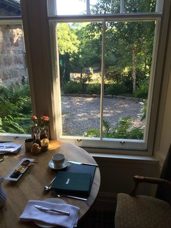 The Old Minister's House: Breakfast table with view outdoors