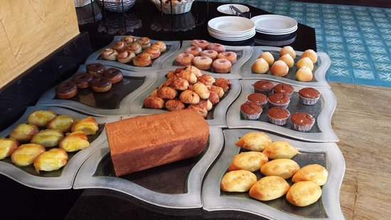 Alsol Luxury Village: Breakfast buffet of sweets!