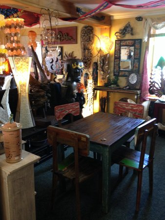 Barry's Bay, Kanada: Upstairs, love this table!