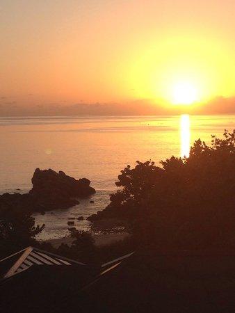 Raffles Seychelles: Sonnenaugang auf dem Balkon