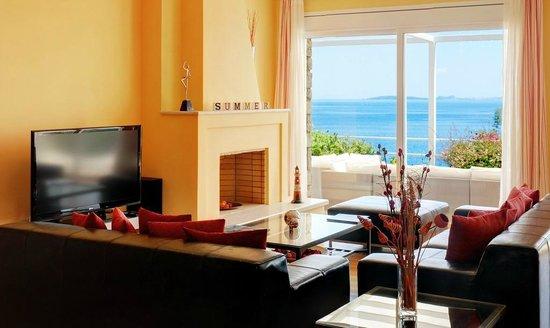 Corfu Luxury Villas: Living Room