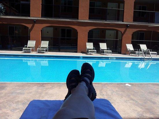 Super 8 Osoyoos: pool