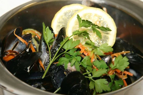 Harbour Grill: Fresh locally harvested mussels
