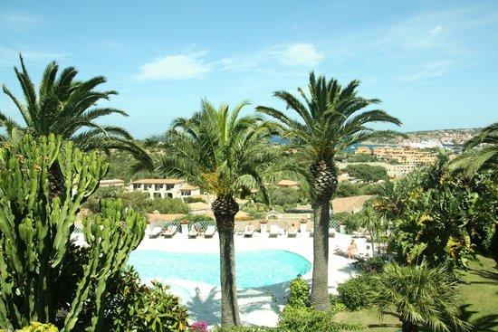 Balocco Hotel: Terrazza con piscina e panorama