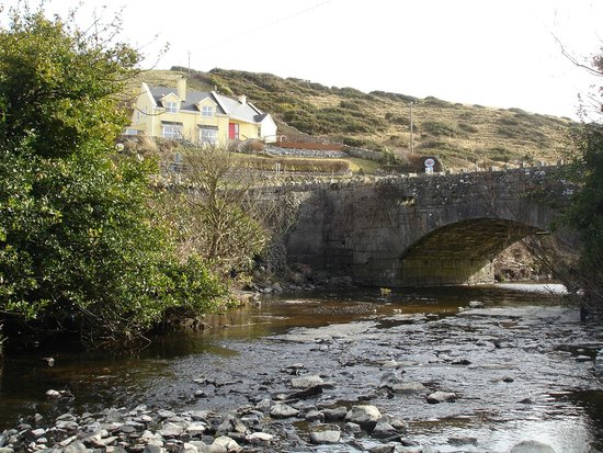 Sea View House Doolin: Sea View House  from the  Ailwee river