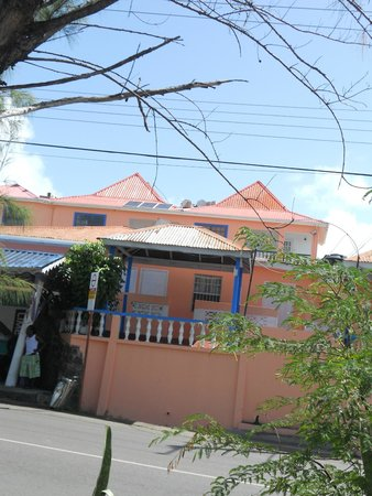Stephanie's Hotel: View from Gros-Islet bus stop