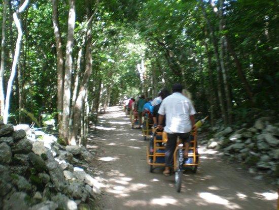 Ruinas de Coba: Велотакси