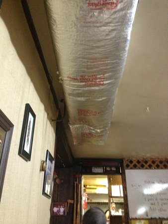 Louise's Restaurant: Insulation over my head