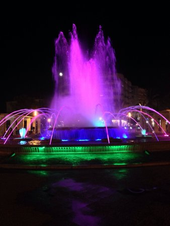 Illuminated Fountain: Waouh