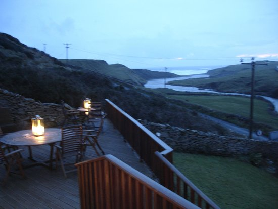 Sea View House Doolin: Evening view from our deck