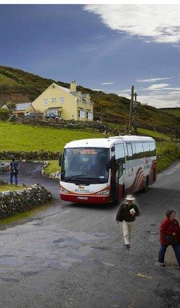 Sea View House Doolin : Beside bus stop in Doolin