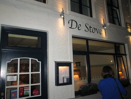 De Stove : From the outside
