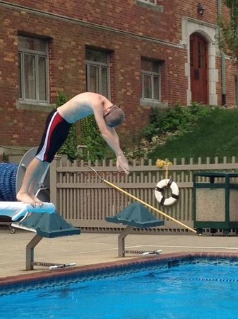 The Bertram Inn at Glenmoor: diving board was a hit!