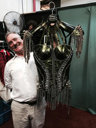 Kinky Boots on Broadway: Backstage- Weighs a Ton!