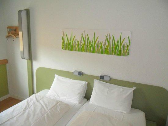 ibis budget Berlin City Potsdamer Platz: Double room w/ separated beds