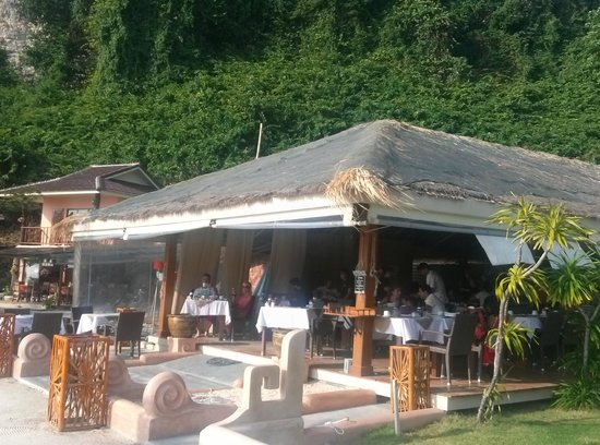 Mama Beach Residence : Breakfast bar/restaurant