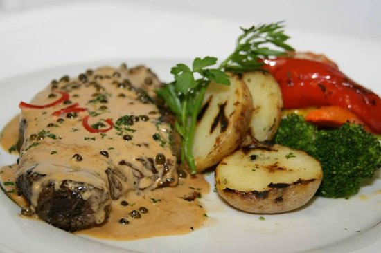 Harbour Grill: Peppersteak Madagascar with potatoes and seasonal vegetables